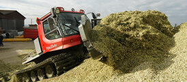 Silage pushing rolling clamping buck rake